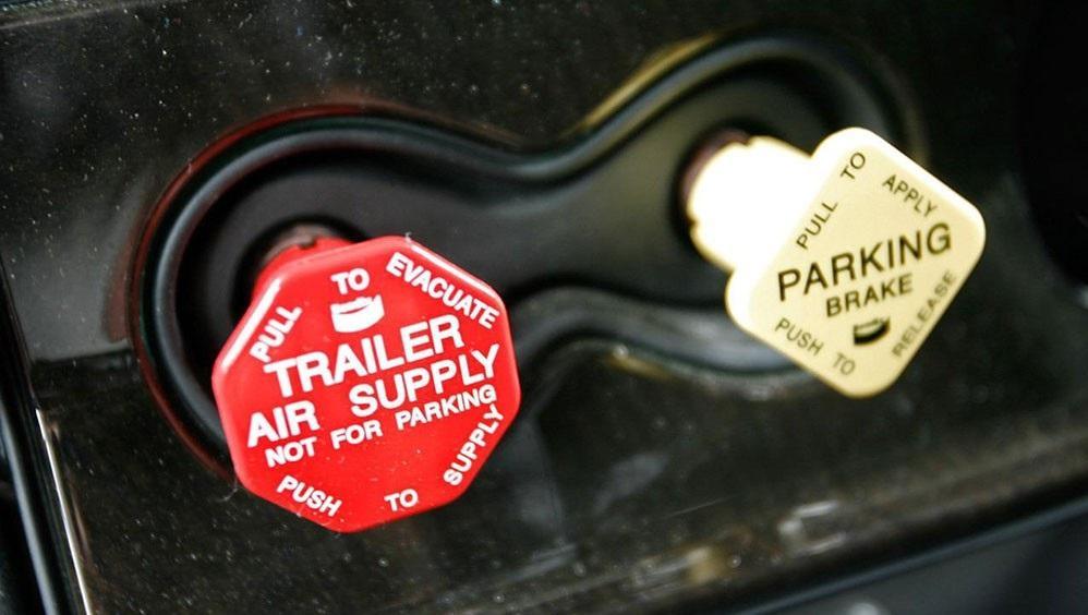 parking-brake-and-air-brake-sounds_1