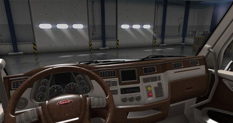 peterbilt-579-lux-interior_1
