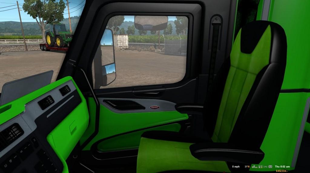 peterbilt-579-neon-green-interior_2