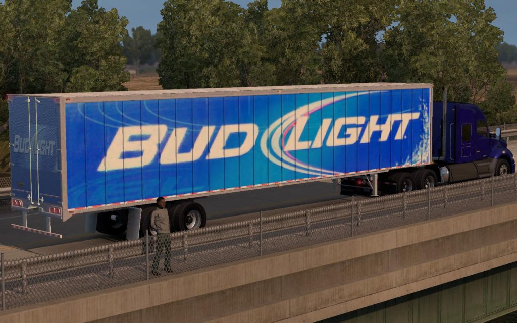 bud-light-trailer-skin-2016-0510a_1.png
