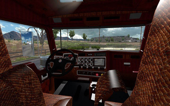 Kenworth-W900-Interior-2-601×376