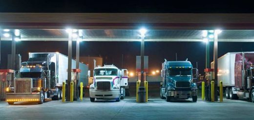 truck-stop-w-thinkstock-80376934-1024x532_7QWZ5.jpg